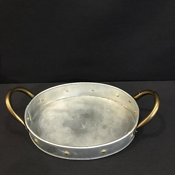 "Tray - Oval - Tin w/ Gold Rivets 9"" x 11"" (2""deep)"