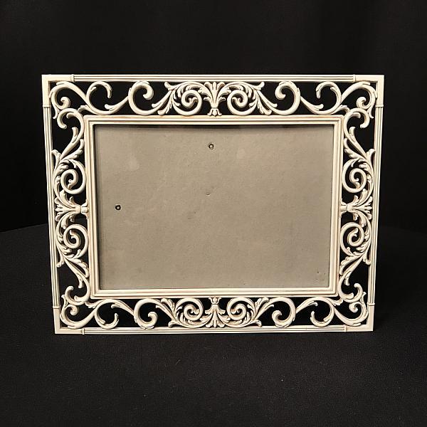 "Frame - Metal - Off White 5"" x 7"""